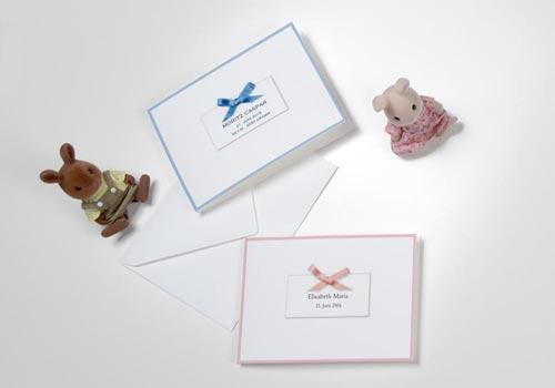 Geburtsanzeigen mit Schleife